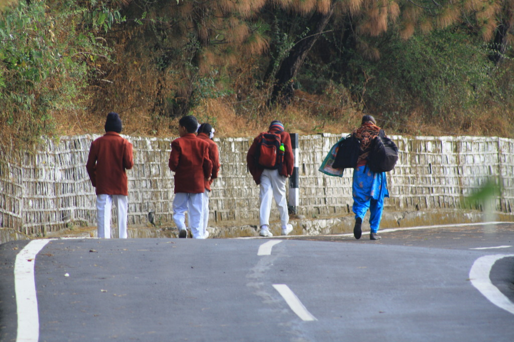 School- kids-road